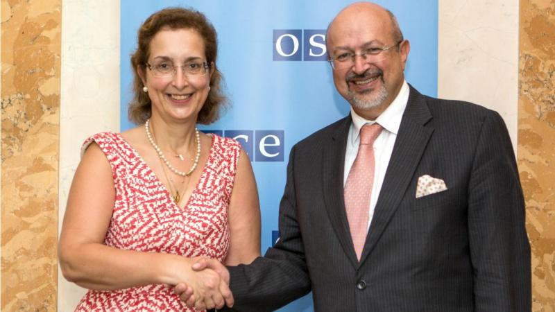 Graça Mira Gomes com o secretário-geral da OSCE, Lamberto Zannier