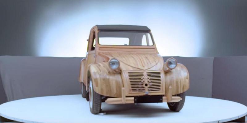 Citroën 2CV de madeira