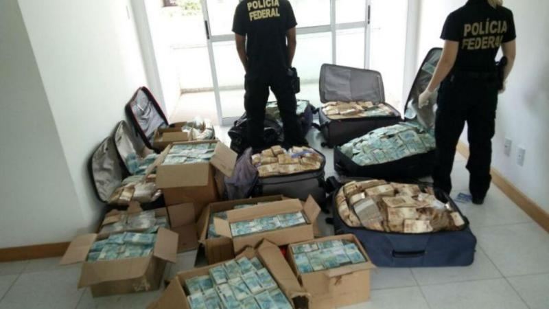Maior apreensão em dinheiro vivo no Brasil em apartamento do ex-ministro Geddel Vieira Lima