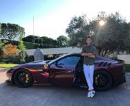Cristiano Ronaldo e o seu Ferrari F12tdf (reprodução Instagram)