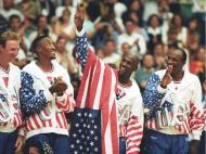 Barcelona 1992: a Dream Team e a bandeira no ombro de Michael Jordan