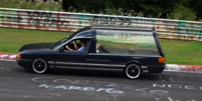 Carro funerário no Nurburgring