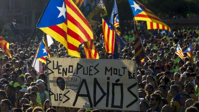 Barcelona sai à rua a gritar por independência