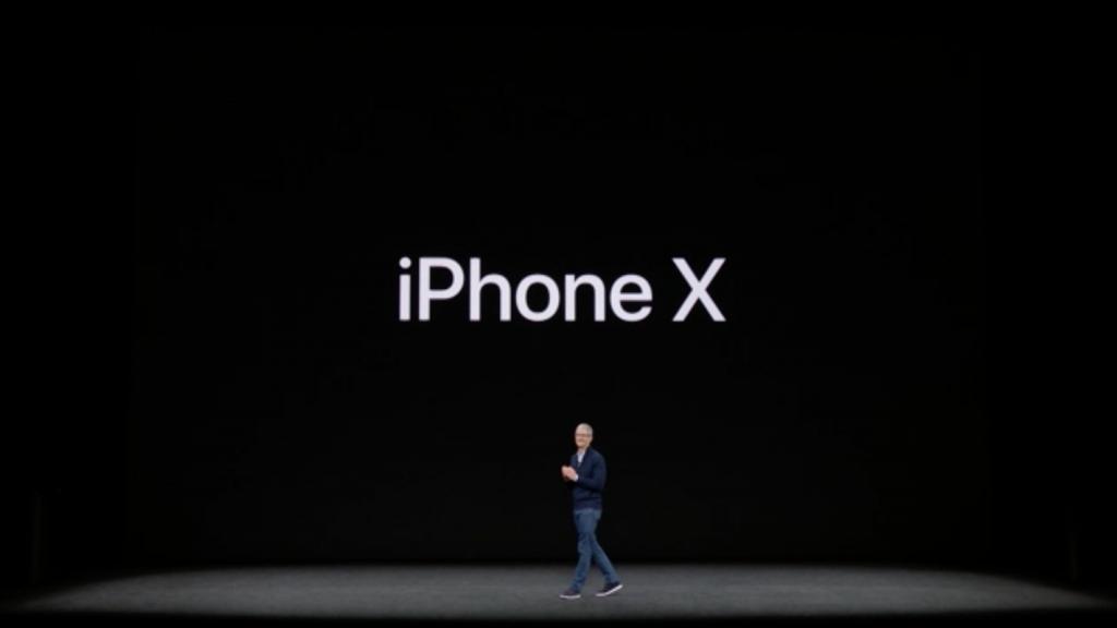 Tim Cook apresentou o iPhone X no Steve Jobs Theatre