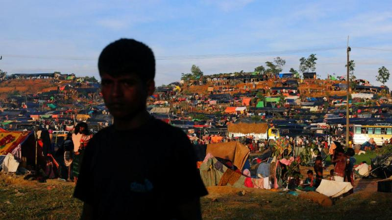 Mais de 400 mil rohingya já fugiram da Birmânia devido à violência
