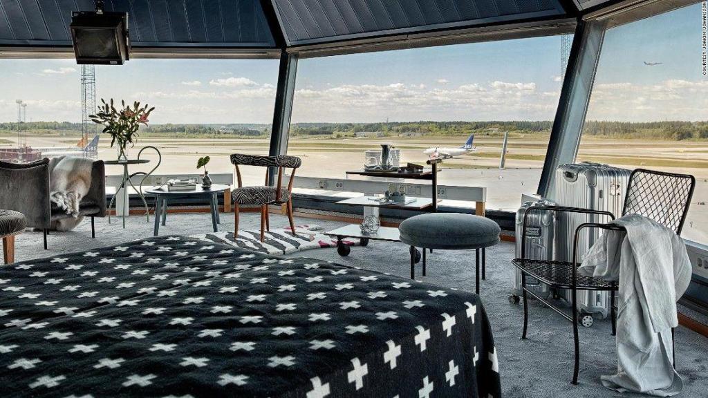 Este hotel é numa torre de controlo aéreo