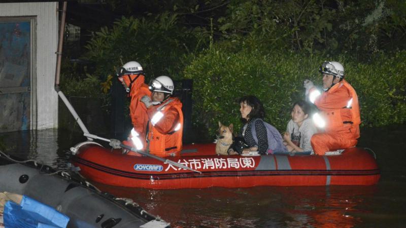 Tufão Talim provoca inundações no Japão