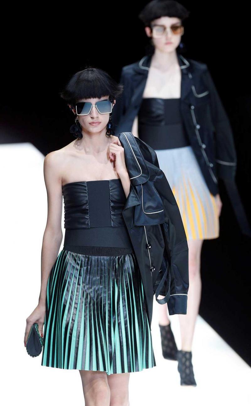 538311dfab2c5 8 26 - Giorgio Armani - Coleção prim verão 2018 - Semana da Moda de Milão  Foto  Reuters