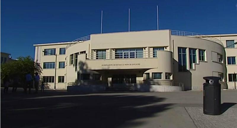 Escola D. Filipa de Lencastre