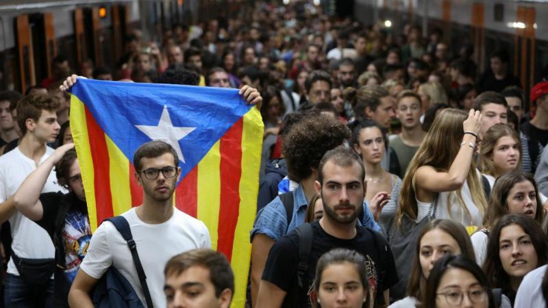 CaixaBank vai mudar sede para Valência e Gas Natural Fenosa para Madrid
