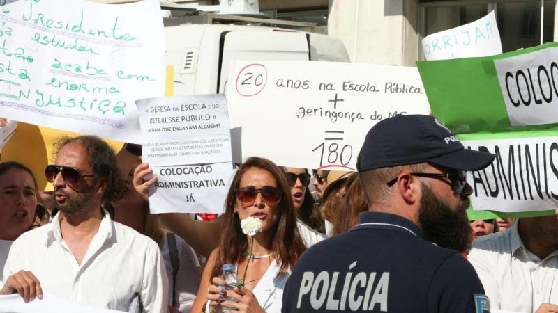 Protesto dos professores nas comemorações do 5 de Outubro