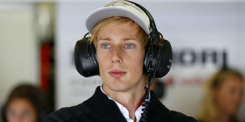 Hartley em estreia na Fórmula 1