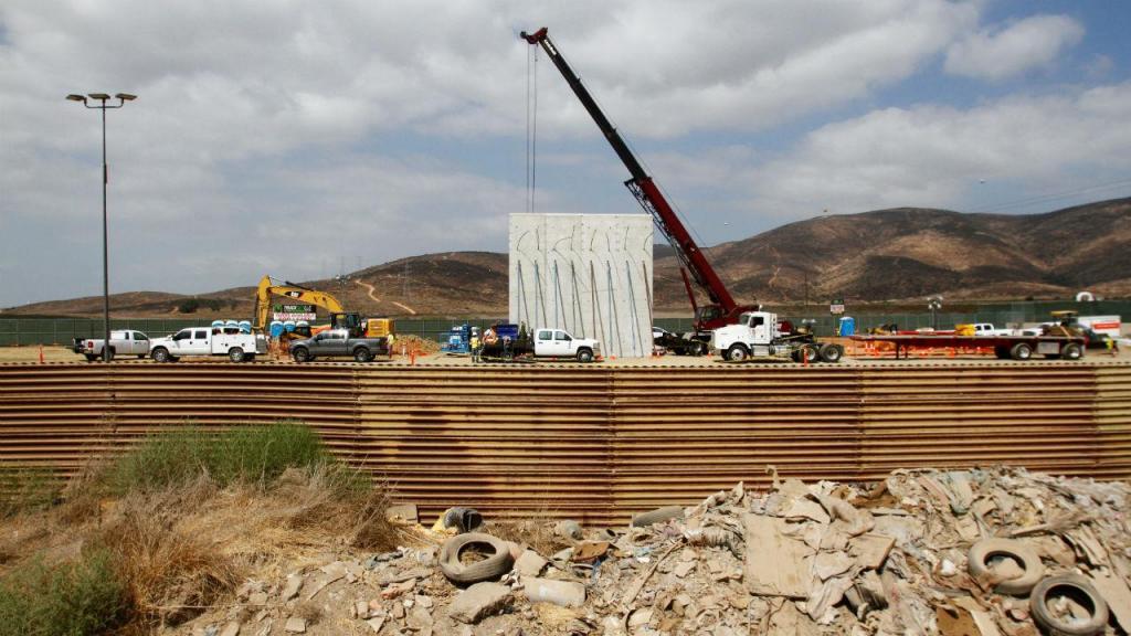Já se fazem testes para a construção do muro entre os EUA e o México