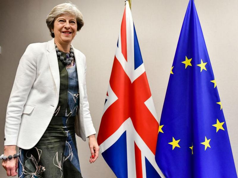 Theresa May à chegada para a uma reunião com o presidente do Conselho Europeu Donald Tusk, Bruxelas, 20 de outubro de 2017