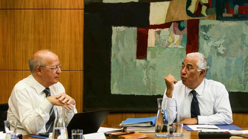 Costa preside à reunião extraordinária no Palácio de São Bento