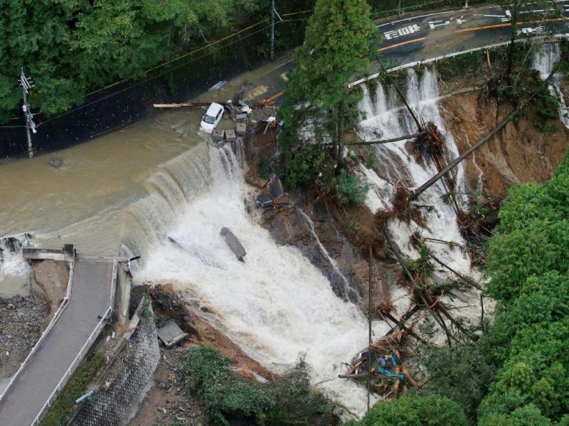 Estragos provocados pelo tufão Lan em Kishiwada, Japão, 23 de outubro de 2017