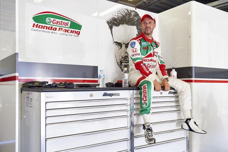 Tiago Monteiro sem alta médica para competir