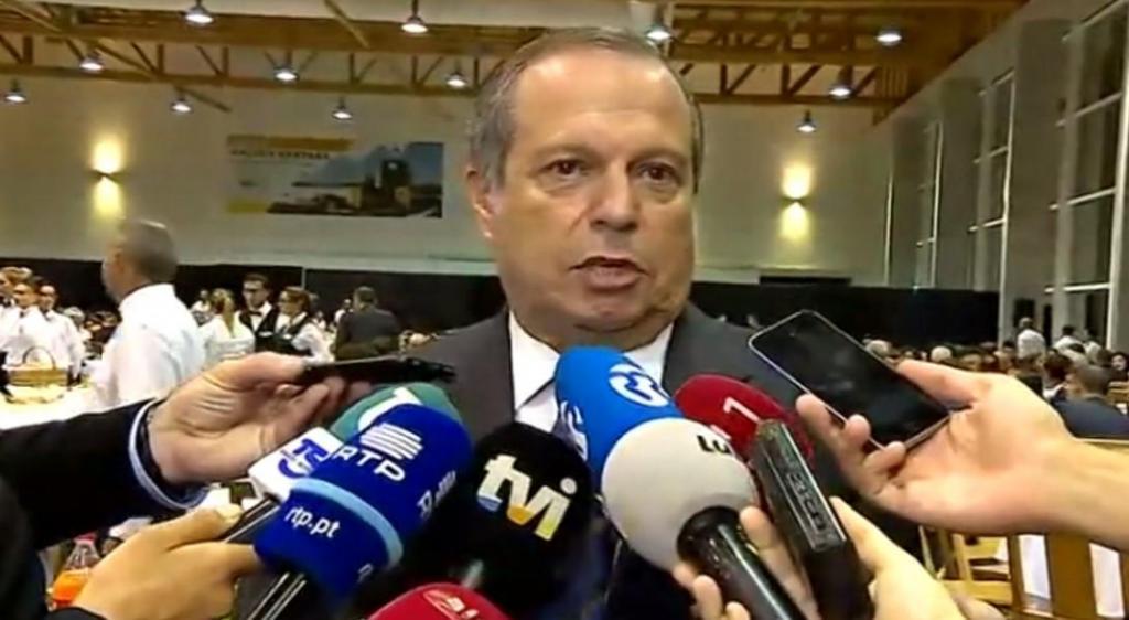 Carlos César - frame