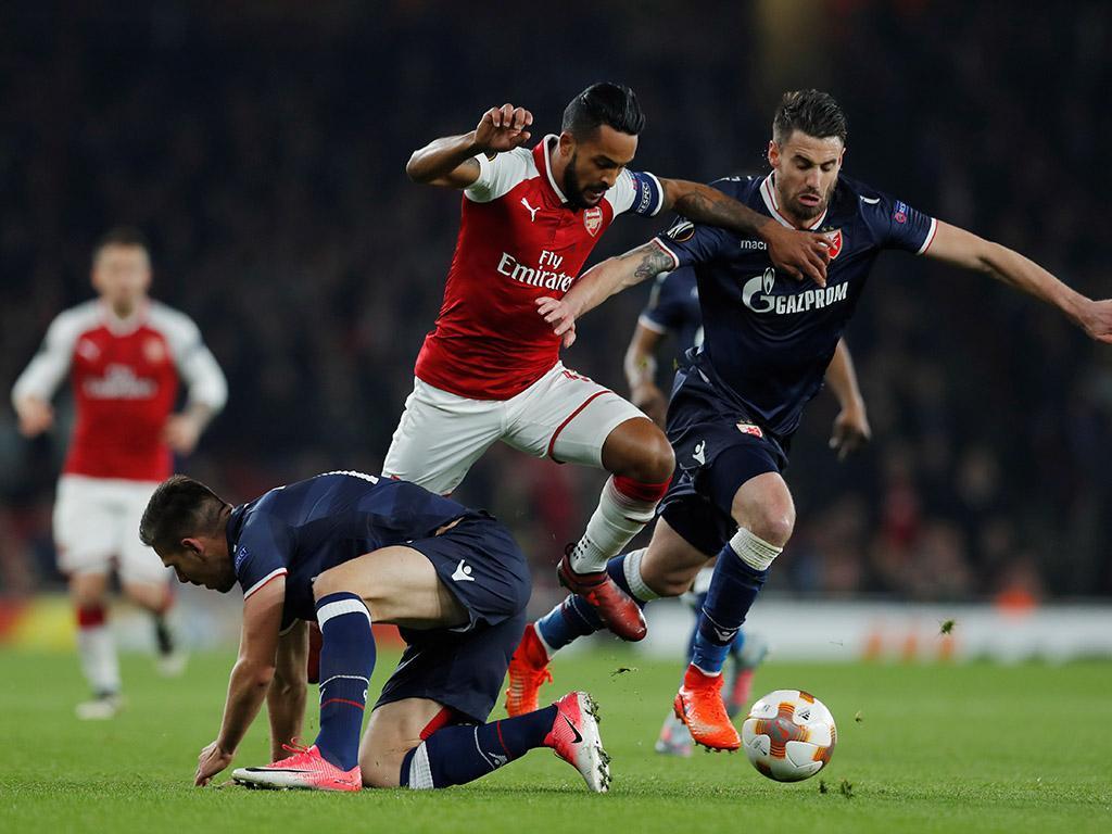 Arsenal-Estrela Vermelha (Reuters)