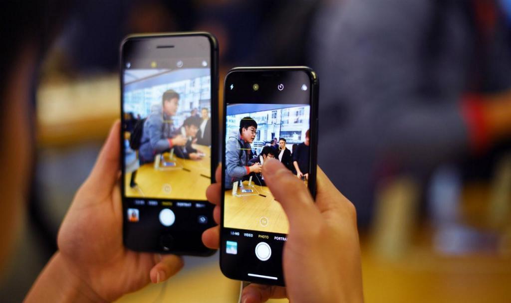 iPhone X chegou às lojas de 55 países (Lusa/EPA)