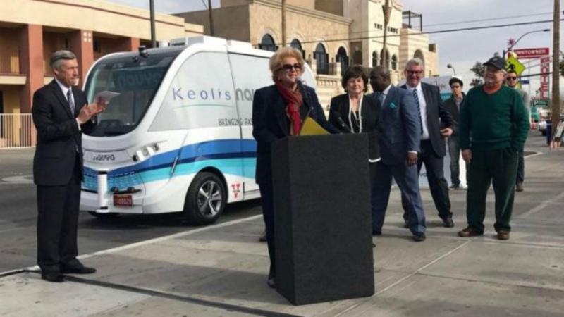 Autocarro sem motorista estreia-se em Las Vegas