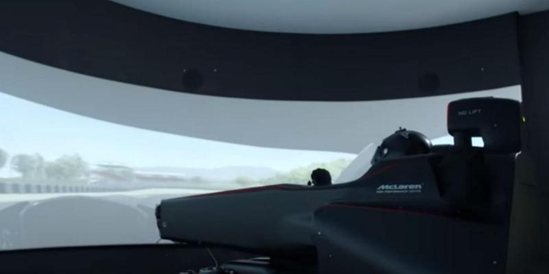 Simulador F1 da Mclaren (reprodução YouTube McLaren)