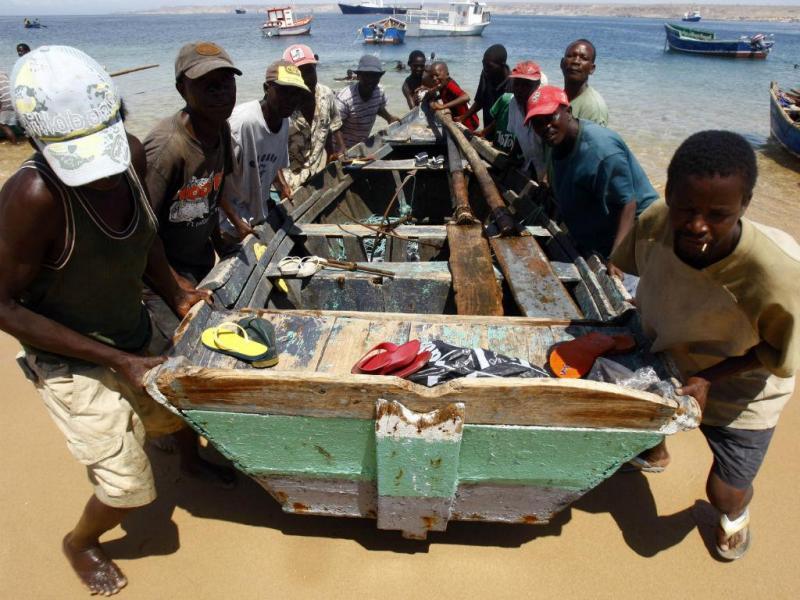 Pescadores em Baía Farta, Benguela, Angola