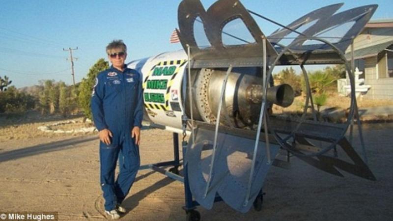 Mike Hughes vai lançar-se de um foguete que o próprio fabricou