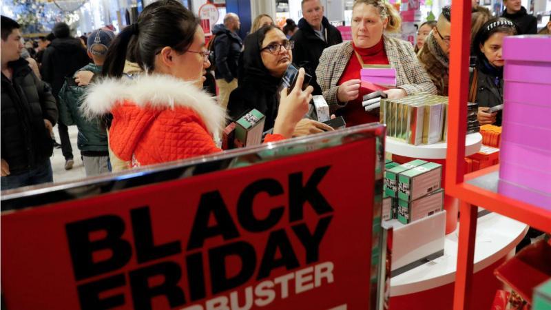 Black Friday em diferentes cidades dos EUA