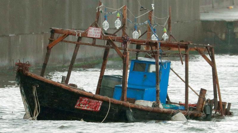 Embarcação à deriva no Japão