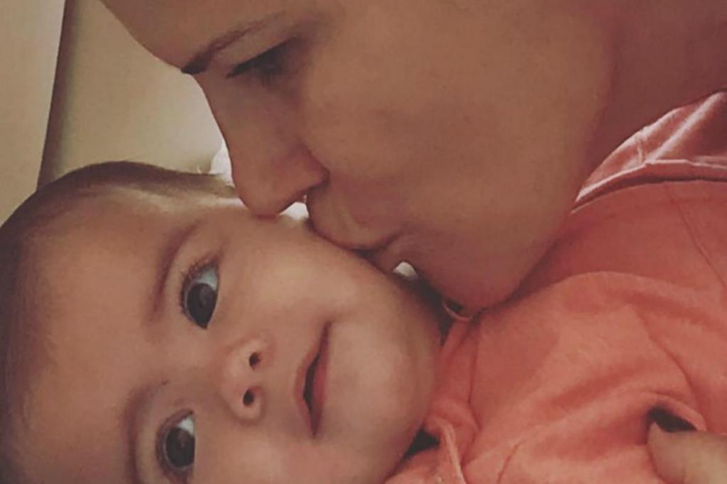 Elma Aveiro e a sobrinha Eva