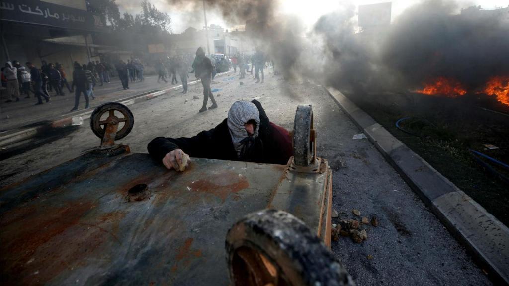 Confrontos na Faixa de Gaza após decisão de Trump