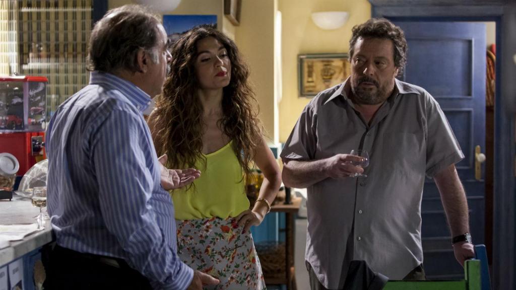 Diogo descobre que Teodoro deu um carro a Gabriela