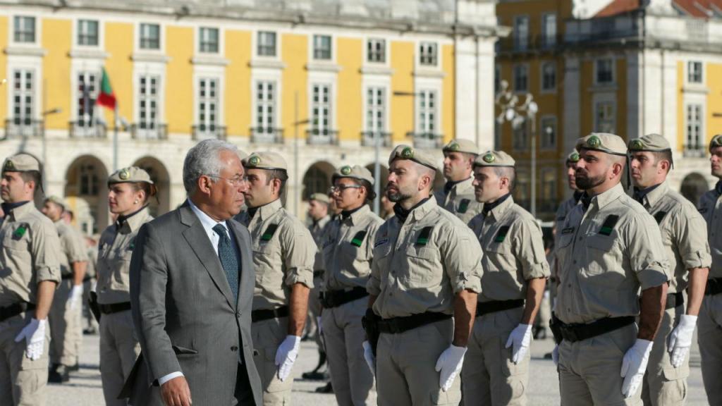 António Costa condecora GIPS