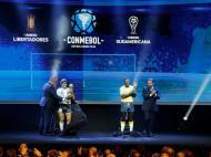 Estátuas de Pelé e Maradona (Reuters)