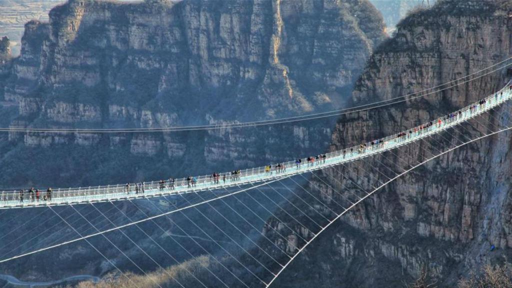 Ponte de vidro na província chinesa de Hebei