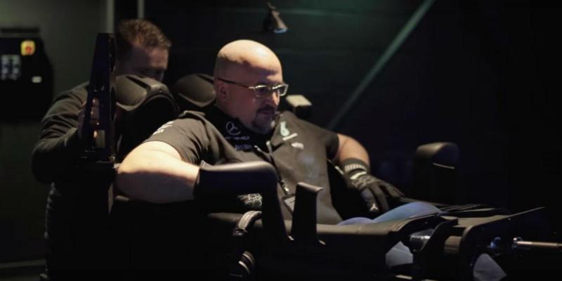 Simulador F1 da Mercedes-AMG Petronas (reprodução YouTube)