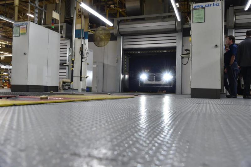 """BMW mostra o novo X7 em """"pré-produção"""""""