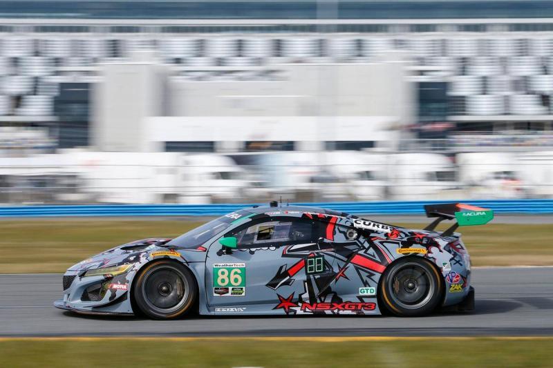Álvaro Parente estreia-se nas 24H Daytona ao volante de um Acura NSX