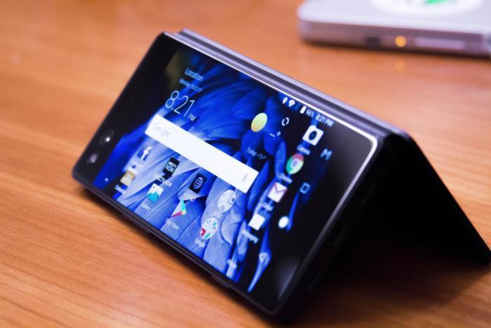 O telemóvel com dois ecrãs