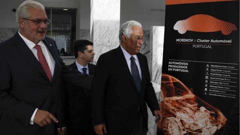 António Costa com ministro da Economia, Manuel Caldeira Cabral e José Couto, presidente da Mobinov