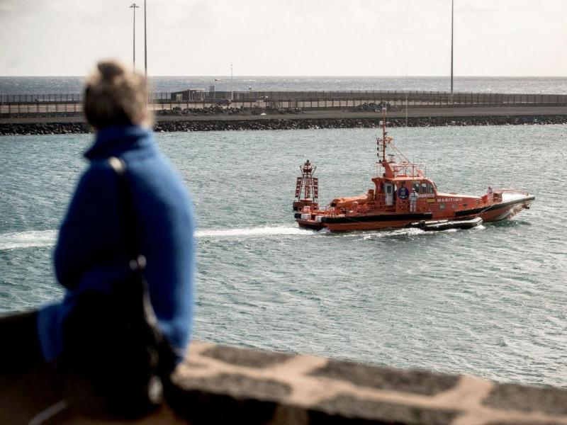 Equipas de socorro das Canárias resgatam corpos de migrantes magrebinos em Lanzarote