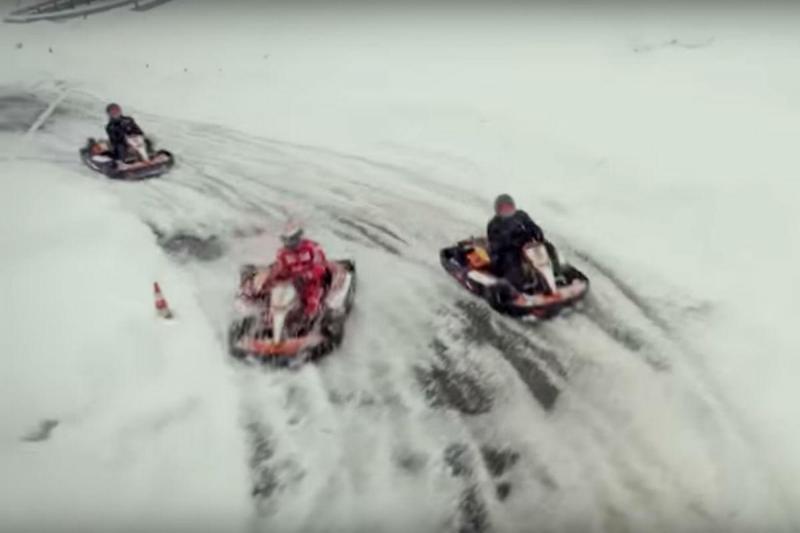 Kimi Raikkonen com um karting no gelo (reprodução Youtube Shell)