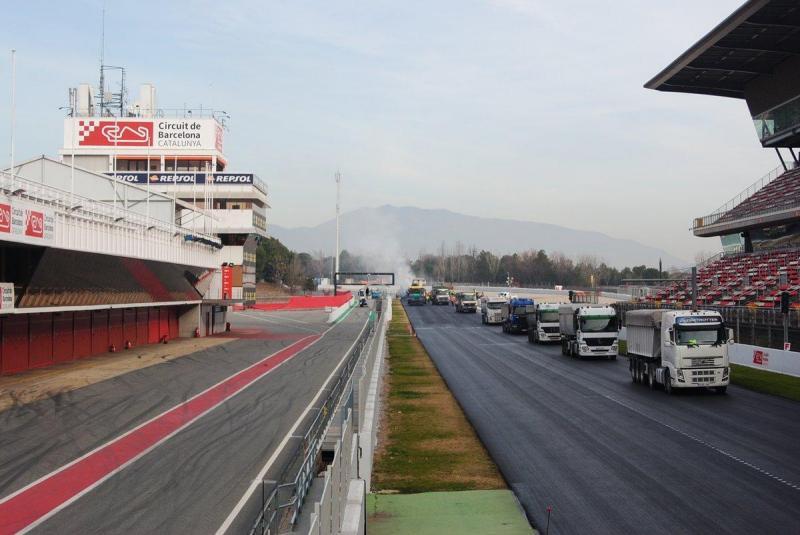 Novo asfalto colocado no Circuito de Montmeló