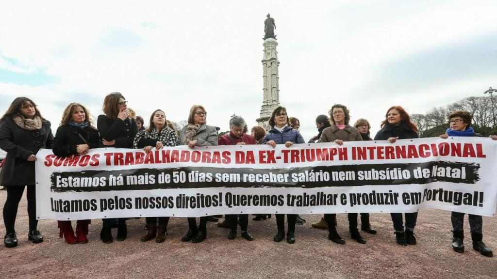 Trabalhadoras da Triumph em protesto