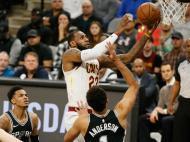 LeBron James torna-se no mais novo a atingir os 30 mil pontos na NBA