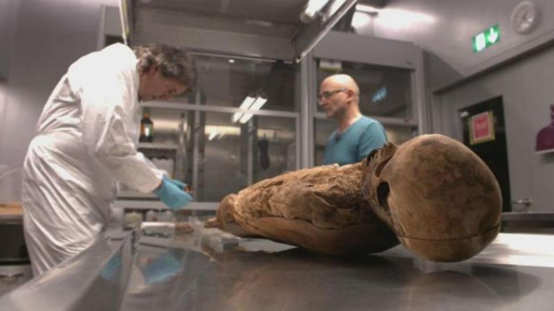 O corpo da mulher foi encontrado bem conservado numa Igreja da Basileia