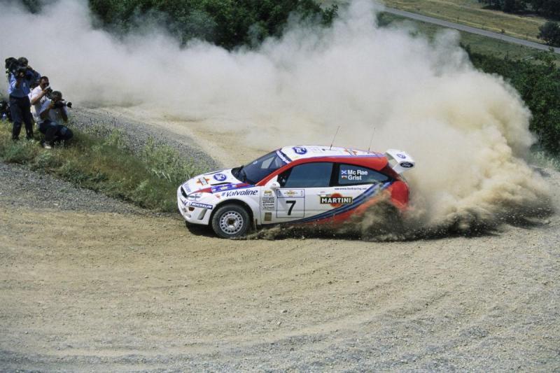 Ford Focus WRC foi conduzido pela lenda dos ralis