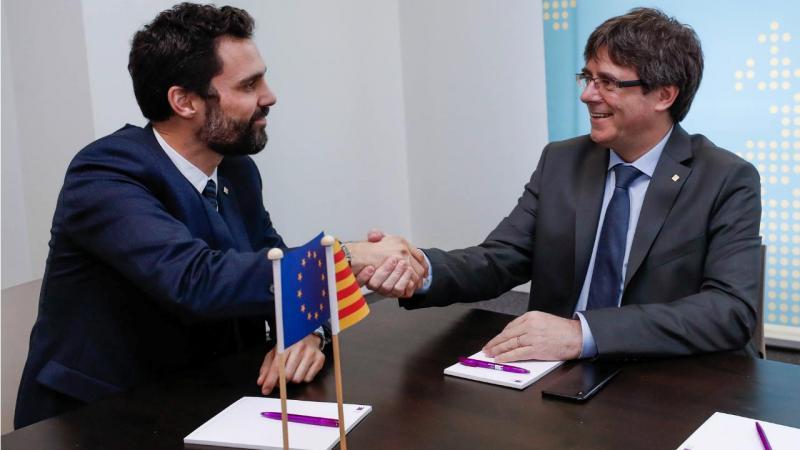 Roger Torrent e Carles Puigdemont