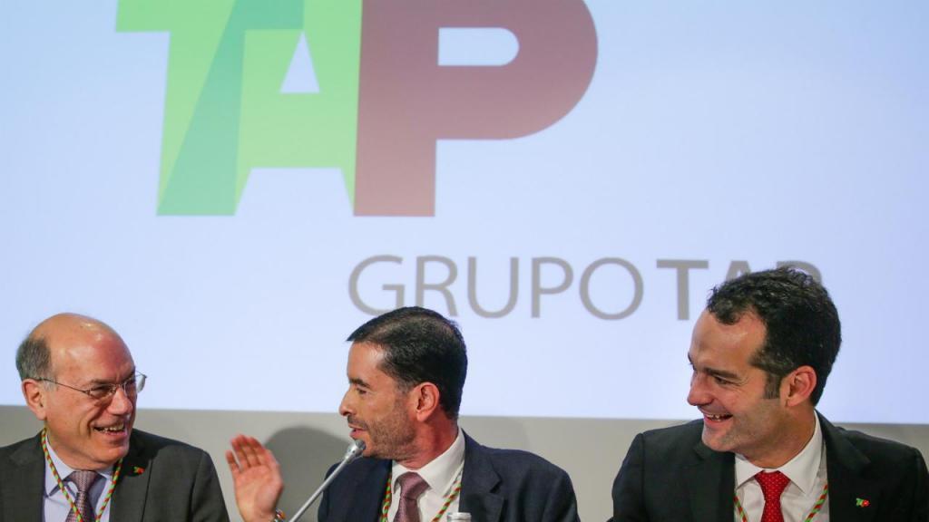 Fernando Pinto, Miguel Frasquilho (presidente do Conselho de Administração da TAP) e Antonoaldo Neves